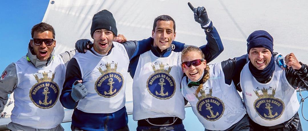 Brasil é campeão mundial de Vela Militar na Finlândia. Geison e Gustavo integraram a equipe