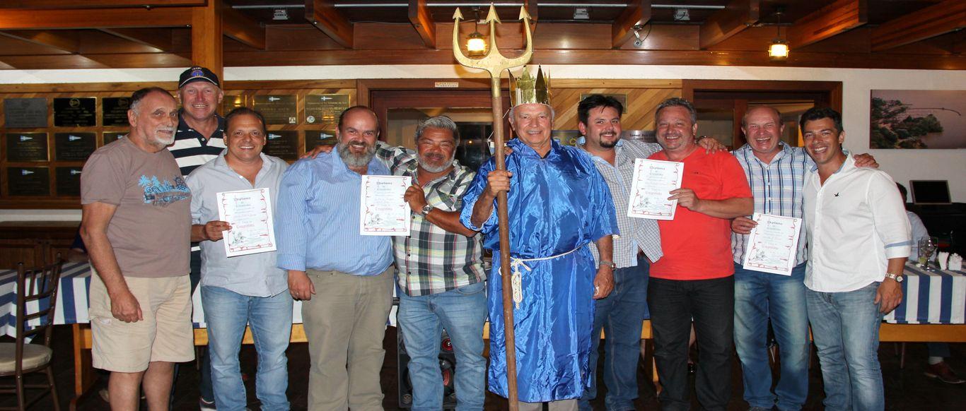 Netuno batizou os novos Cruzeiristas no jantar de final de ano nesta quarta